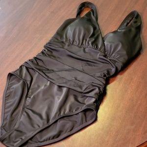 Boden Slimming Swimsuit Ruched Black 6 EUC or NWOT